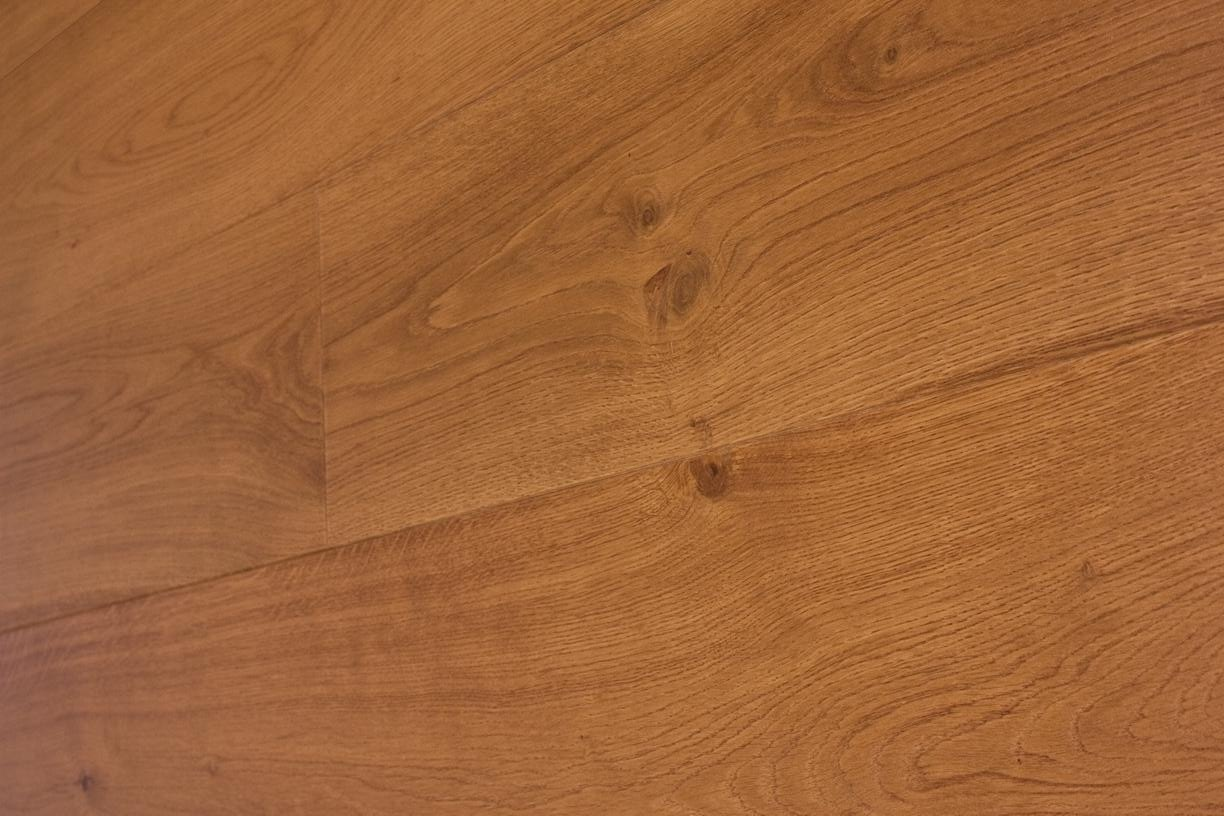 CLEAR LACQUERED SMOKED & BRUSHED OAK 1